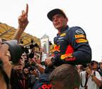Verstappen sorprende a Hamilton y Vettel minimiza daños
