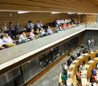 """El Parlamento insta al Gobierno a poner en marcha Canal y TAV de forma """"inmediata"""""""