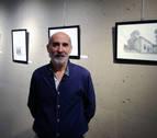Pedro Arizcuren expone dibujos a lápiz en los que plasma iglesias y locales