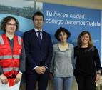 Una campaña solidaria reparte 420 tarjetas prepago para escolares de la Ribera