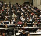 Los alumnos de la UN y la UPNA cobrarán menos beca del Gobierno de Navarra