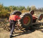 Muere un cascantino de 76 años al volcar el tractor con el que trabajaba en el campo
