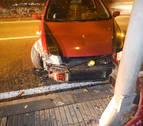 Choca contra una farola tras salirse de la vía en la avenida Aróstegui de Pamplona