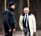 El juez del caso Villarejo llama a declarar Bárcenas y su esposa