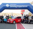 Volkswagen Navarra organiza un curso de conducción para sus aprendices