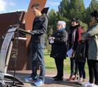 Cuatro generaciones inauguran el Paseo de  la Memoria de Sartaguda