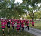Unas 12.000 personas tiñen de rosa Pamplona contra el cáncer de mama