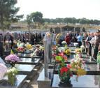 Reencuentro multitudinario en el cementerio de Pamplona