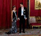 La reina Letizia vuelve a lucir una falda de hace 13 años