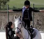 En la consulta de una psicóloga que trabaja con caballos en la comarca