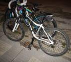 Dos chicas que iban en una bicicleta, heridas al chocar con otra bici en Pamplona