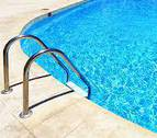 Un ayuntamiento de Cataluña lanza un plebiscito sobre el 'topless' en sus piscinas