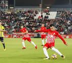 El Almería frena su mala racha a base de golazos