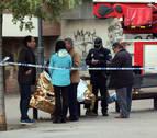 Fallece una mujer y varias personas resultan heridas en un incendio en Granada