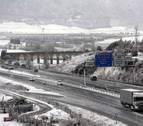 La nieve en Navarra mantiene cerradas tres carreteras este sábado por la tarde