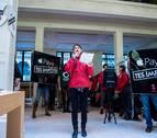 Ocupan una tienda de Apple en París para denunciar la evasión fiscal