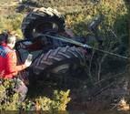 Un hombre de 81 años queda atrapado por un tractor en Cáseda