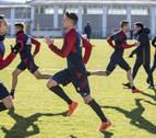 Osasuna busca un banda derecha y un centrocampista