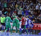 La recompensa del valiente: Osasuna Magna gana con Víctor como portero-jugador