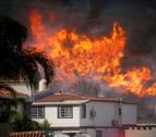 Los vientos amainan y los bomberos ganan terreno a los incendios en California