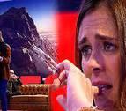 El emotivo abrazo de Edurne Pasaban y Juanito Oiarzabal en un plató de TV