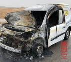 Un coche arde en la A-68 en Ribaforada sin causar heridos