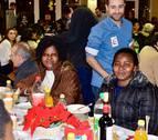 300 inmigrantes, en la cena de Navidad de CORE en Pamplona