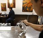 Agua del grifo en los bares de Pamplona: de la cortesía a la obligación