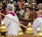 El Papa, en la primera Misa del año, advierte sobre las banalidades y el consumo