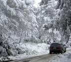 La nieve reaparece en Navarra tras el duro temporal del Día de Reyes