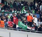 Mujeres de Arabia Saudí asisten por primera vez a un partido de fútbol
