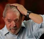 Lula entrega su pasaporte después de que se le prohibiese salir de Brasil