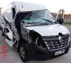Interceptado en Arre cuando viajaba a Polonia con una camioneta accidentada