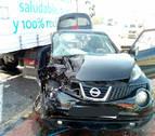 Dos heridas graves en San Adrián al chocar un coche y un camión