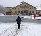 La nieve seguirá cayendo hoy en cotas bajas del norte y mañana subirá a 700 m