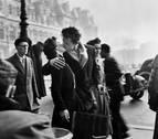 La Cara B de la foto: 'El beso frente al Hotel de Ville', de Robert Doisneau