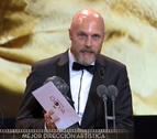 El Ayuntamiento recibe al navarro ganador de un Goya Mikel Serrano