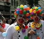 Los bate-bolas, estrellas de un carnaval paralelo en Río de Janeiro