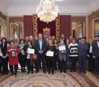 El Ayuntamiento de Pamplona homenajea a 30 empleados jubilados en 2017