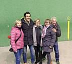 El actor Pablo Chapiella graba para 'El paisano' con los vecinos de Burgui