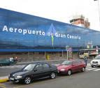 Tres detenidos por mofarse de una pareja homosexual en un vuelo a Gran Canaria