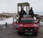 Dos estudiantes pretenden llevar material humanitario por la ruta más corta a Marruecos