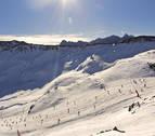 Fallece un esquiador mallorquín atrapado por un alud en Naut Aran (Lleida)