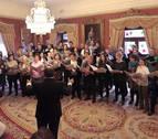 El Orfeón celebra la Medalla de Oro llenando con su música el Ayuntamiento