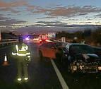 Trasladados al CHN dos conductores tras un accidente en la Autovía del Camino