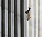 La cara B de la fotos: El misterio y el magnetismo del 'Falling Man'
