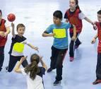 Anaitasuna acerca el balonmano a los más pequeños