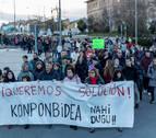 Medio millar de vecinos piden una conexión peatonal en Orkoien