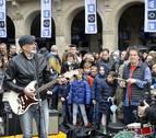 Walk on Project graba un flashmob en Pamplona por los enfermos degenerativos