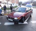 Pierde el control, se mete en sentido contrario y choca contra una señal en Pamplona